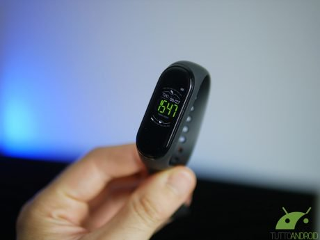 A caccia di Xiaomi Mi Band 4? Eccola, è in offerta su Amazon