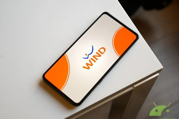 Wind spaventa la concorrenza offrendo 100 GB e Amazon Echo Dot in regalo